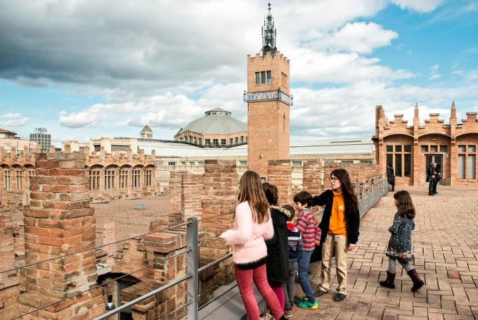 Visita en familia Modernismo-modernidad en CaixaForum Barcelona (Barcelona)