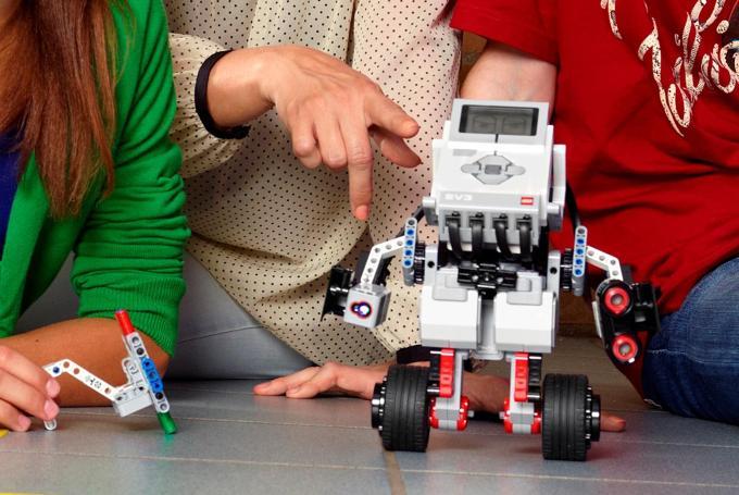 'Familybot': talleres de robótica para familias en CosmoCaixa Barcelona (Barcelona)