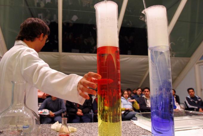 Taller 'Magia química' en Ciudad de las Artes y de las Ciencias (Valencia)