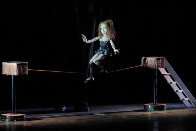 Títeres 'Magia, circo y marionetas' en Centro Cultural Juvenil El Matadero (Huesca)