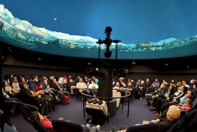 'Planetario Péndulo de Foucault' en Parque de las Ciencias (Granada)