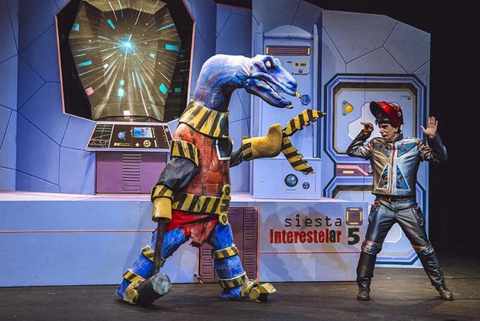 'Maleta: misión espacial secreta' en Teatro Echegaray (Málaga)