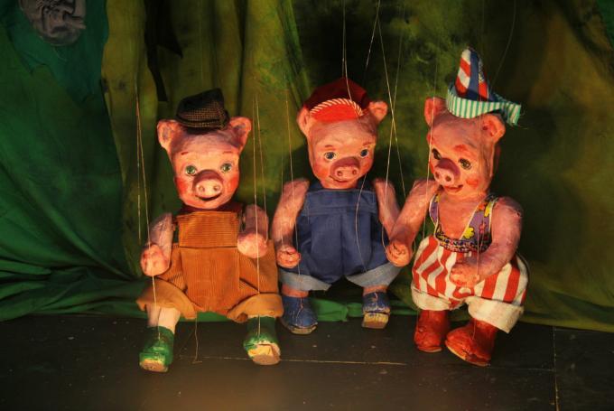 'Los tres cerditos de Cuchufleta y Coscorrito' en Teatro La Estrella (Sala Cabanyal) (Valencia)