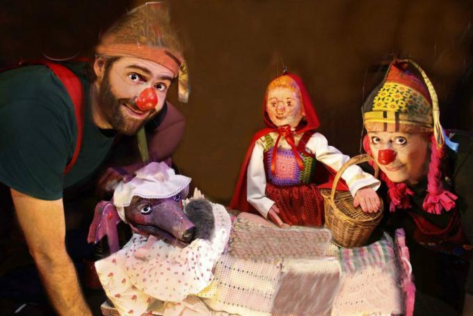 'Caperucita y otros lobos' en Teatro Gurdulú (  Leganés)