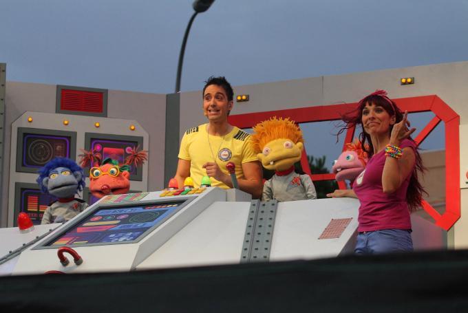 Juan 'D' y Beatriz con Los Lunnis: 'El cohete musical' en Escenario Santander (Santander)