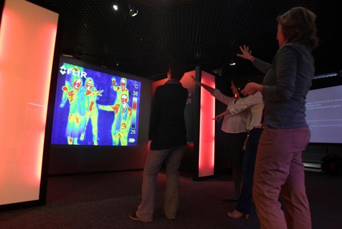 Taller 'Sorprende, pero ¡es ciencia!' en CaixaForum Girona (Girona)