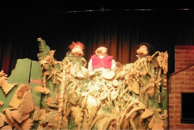 Zacarias y el lobo y Los tres cerditos tienen casa en Sala de Teatro El Dragón Estragón (Madrid)