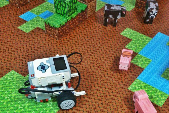 'Retos y actividades de robótica con Lego Mindstorms' en Droide (Valencia)
