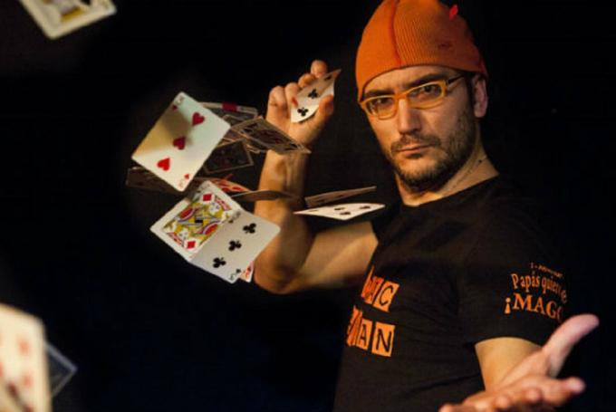 '¡Papás, quiero ser mago!' en Teatros Luchana (Madrid)