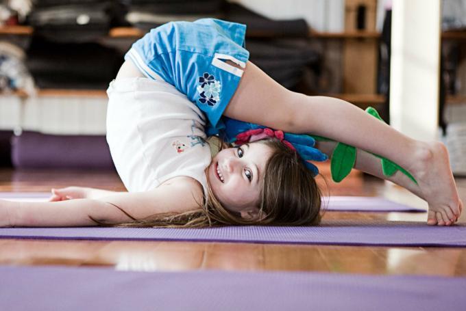 'Os nenos xogamos co ioga' en Biblioteca Pública de Ourense (Ourense)