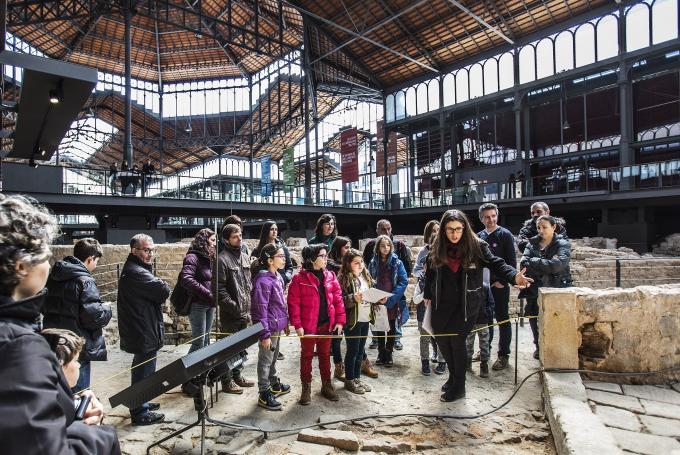 Juego 'Detectius al Born' en El Born Centre de Cultura i Memòria (Barcelona)