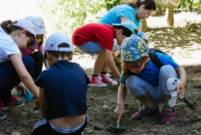 Campamento Prehistórico de Semana Blanca en ArqueoEduca (Malaga)