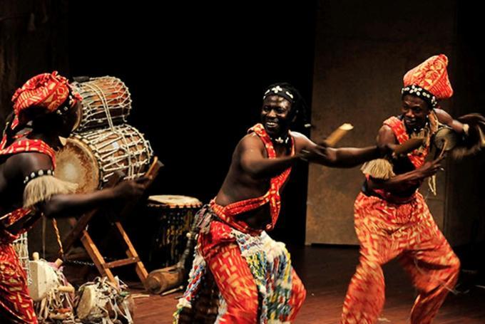 'Teranga. El legado de los griots de Senegal' en Caixaforum Sevilla (Sevilla)