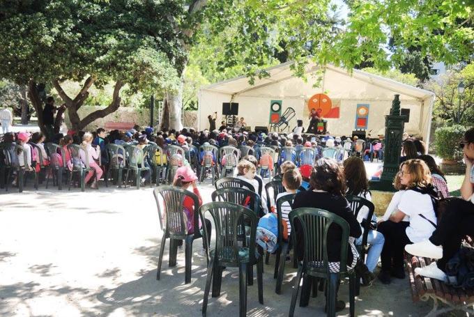 Menuda Fira del Llibre  en Jardines de Viveros (Valencia)